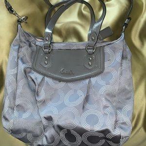 Grey coach purse 👜👜